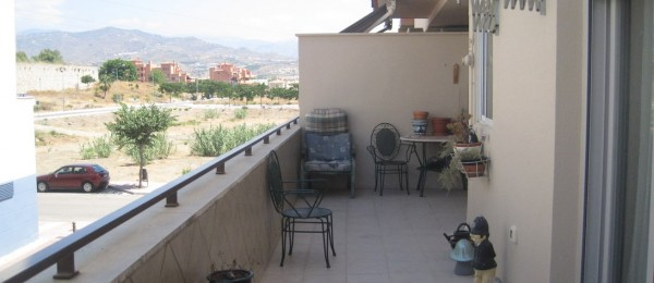 AX430 – 2 bedroom apartment with communal gardens and pool – Torre del Mar