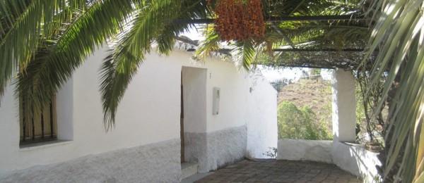 AX441 – Cortijo Gloria, country house to restore in the countryside near Velez-Malaga