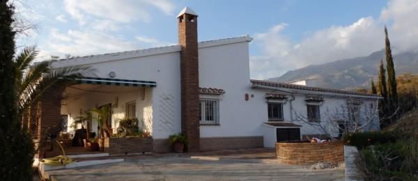 AX552 – Casa La Quinta, country house near Sedella