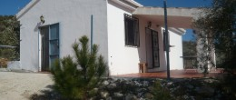 G145 – Country cottage with land near Jayena, Granada
