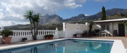 AX606 – Casa Colina, beautiful country house with guest annexe, Colmenar