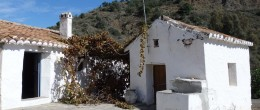 AX607 – Casita de la Huerta – cottage to restore with avocado orchard