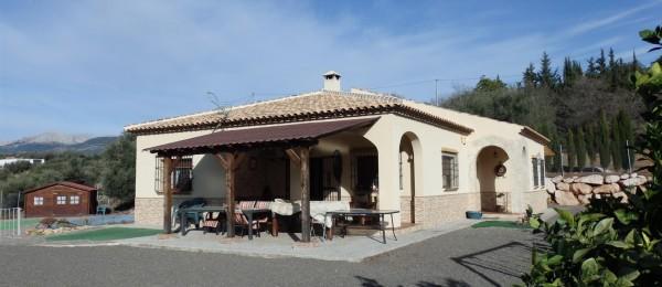 AX615 – Casa Mariola, large country house with outbuilding, Riogordo