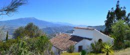 AX647 – Cortijo Mesa de Solano, character cottage and guest casita, Colmenar