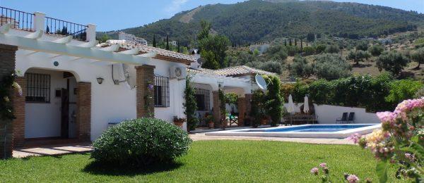 AX660 – Casas de la Colina, country house with guest casita, Alcaucin