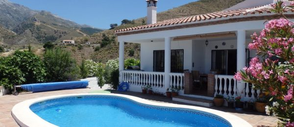AX661 – Casa Bacri, country house near Canillas de Aceituno