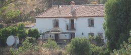 AX663 – Lagar de Flores – beautiful, spacious cortijo to restore on large plot, near Malaga