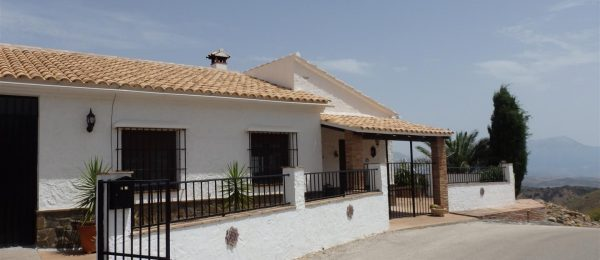 AX667 – Casa La Vista, country house just outside Colmenar