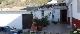 AX681 – Casa El Granero, village house with a barn, Almachar