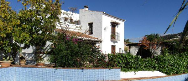 AX687 – Finca Los Arcos, Los Ventorros, Comares – country rental business and home