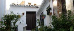 AX700 – Small village house to restore, Benamargosa