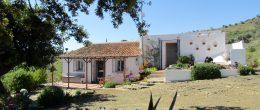 AX705 – Casa Algarrobo – character 100 year old country cottage, near Lake Viñuela