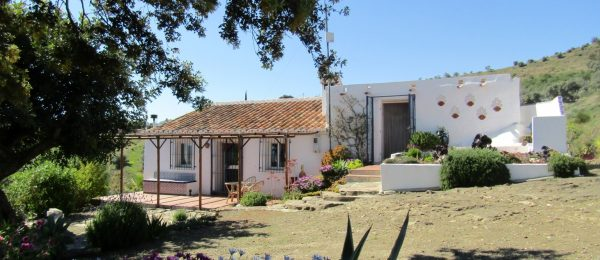 AX705 – Casa Algarrobo – character 100 year old country cottage, near Lake Viñuela