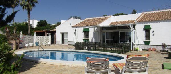 AX728 – Casa Cuatro Vientos, spacious villa near Lake Vinuela