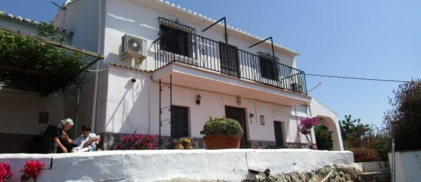 AX730 – Casa Gallego, character cottage with garden near Comares