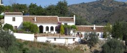 AX734 – El Molino – converted olive mill near Comares