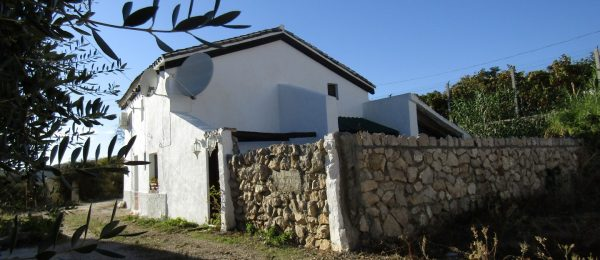 AX751 – Casa La Acequia, rustic style country house, Mondon and Periana area