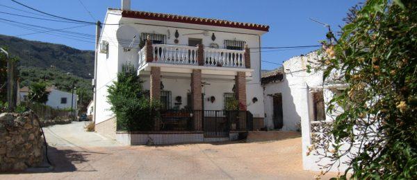 AX792 – Casa La Placita, house in country hamlet, Alcaucin