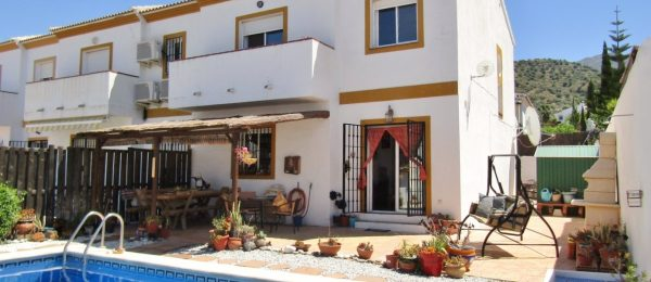 AX796 – Casa El Prado, 3 bed end of terrace villa, Puente DonManuel