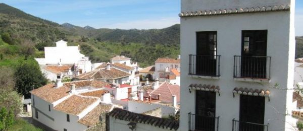 AX812 – Casa Fuente – large village house, Sedella