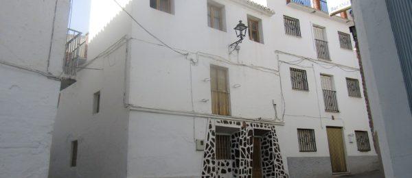 AX815 – Casa Jirafa, village house to restore, Canillas de Aceituno