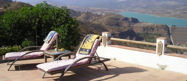 AX832 – Casa Lavanda, country house with lake views, Viñuela area