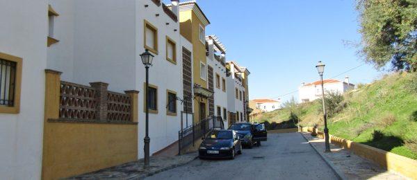 AX842 – Spacious apartment, Alcaucin