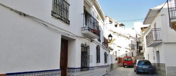 AX856 – Casa Las Tres Terrazas, village house Benamargosa