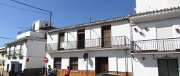 AX864 – Casa San Juan, large house in historic Velez-Malaga