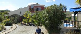 AX874 – Casa Odilio – country house with land, Lake Viñuela