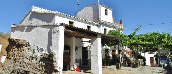 AX887 – Casa de Dios, Country house near Comares