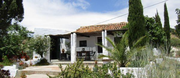 AX889 – Cortijo Atalaya Alta, rustic country house, Velez-Malaga hills