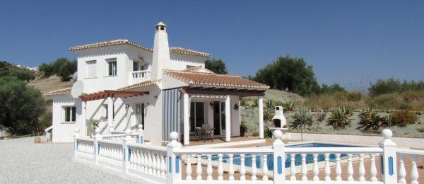 AX904 – Casa Mott, country house, Lake Viñuela