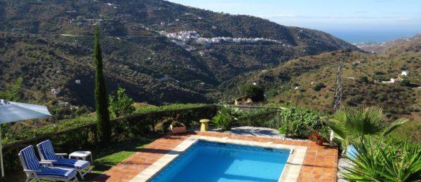 AX893 – Finca Almendra, country home with holiday let unit – Sayalonga