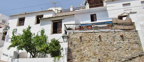 AX921 – Casa La Boveda, village house, Cutar