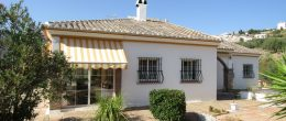 AX919 – Villa Santa María, 3 bed country house near Alcaucin