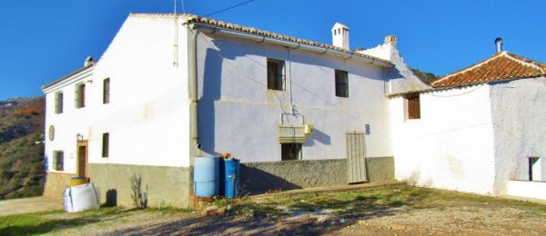 AX960 – Casas Diego Limpio, two country houses near Comares