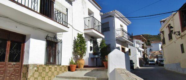 AX975 – Casa Limon, restored village house, Benamargosa