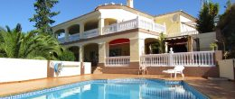AX1012 – Casa Garupa, magnificent country house, Los Romanes (Viñuela)