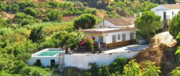 AX1015 – Casa La Paz, country house near Benamargosa