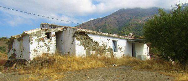 AX1022 – Casa Miguelin – country house to restore, Canillas de Aceituno