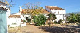 AX1043 – Casa Navidad, rustic country cortijo near Comares