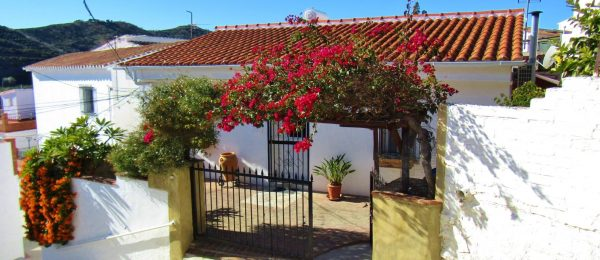 AX1045 – Casa Karibu, village house with garden, Triana, Velez-Malaga