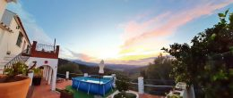 AX1057 – Casas Pepe, 2 country houses near Comares