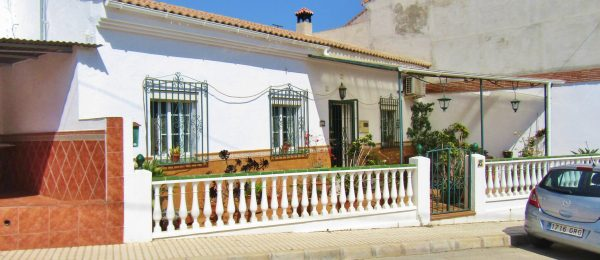 AX1090, Casa Lisa, Triana village house with garden