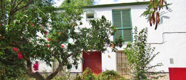AX1104 – Casa la Encantada – historic house in Torre del Mar with garden and patio