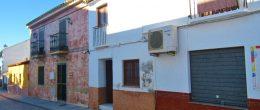 AX1009 – Casa de la Rana, village house to restore, Velez-Malaga